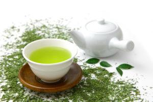 缶入りギフト<br>お茶200g、珈琲豆200g(挽豆)を缶入れギフトとしてお作りします。こだわりのお茶と珈琲を一緒に贈ることのできるギフトです。
